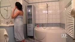 Fazer sexo gostoso casal safado transando pra valer no banheiro