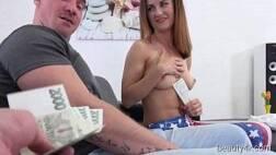 Xnxx vídeos novinha tesuda dando a buceta pra dois por dinheiro
