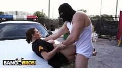 Xvideos português policial gostosa transando na rua com traficante dotado