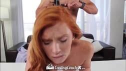 Vidio porno grátis ruivinha tesuda fodendo cheia de tesão com o pauzudo