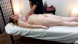 Photoacom massagista comendo a buceta da cliente