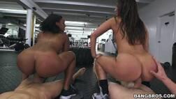 Videos pornôs grátis morenas lindas trepando com os amigos
