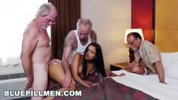 X vídeos free de três homens idosos metendo em uma novinha