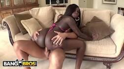 Sexo interracial com mulata gostosa da bunda grande